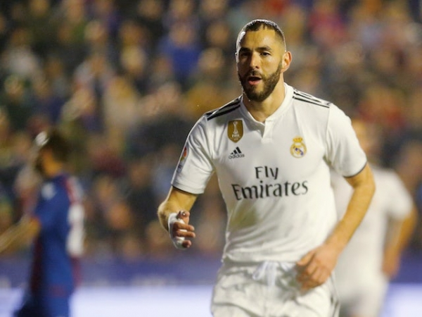 Benzema's House Robbed During Midweek El Clasico